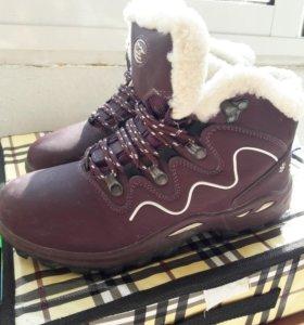 Продам зимнии ботинки