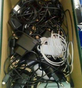 Зарядники для старых телефонов и гарнитура