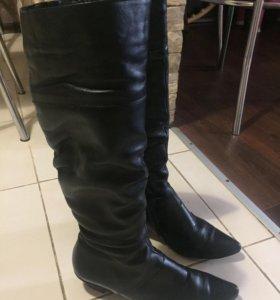 Зимние кожаные сапоги.38 р