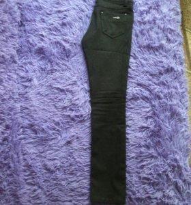 Черные брюки для девочки