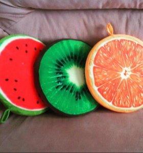 Подушки фрукты
