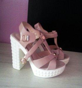 Каблуки, туфли