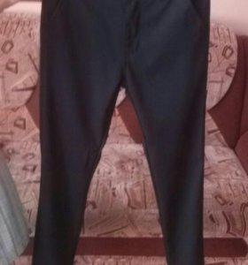Двое брюк, цена за одни