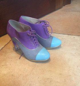 Ботинки фиолетовые 39 новые