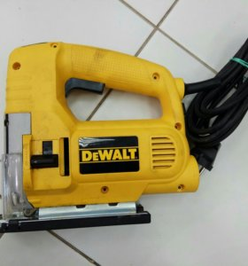 Лобзик DeWalt DW320K