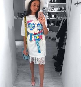 Модное новое платье