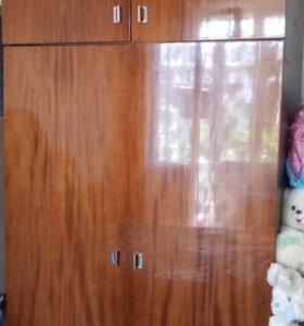 Шкаф с антресолью на дачу