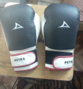 Перчатки боксёрские Petra