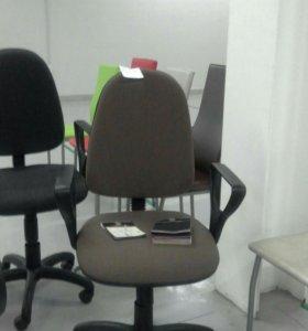 Офисное кресло престиж в ткани