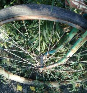 Велосипед старый,но годится  на запчасти