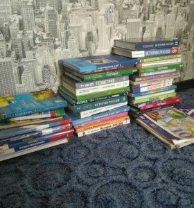 Учебники с 5 по 11 класс в хорошем состоянии.