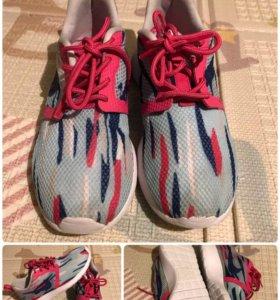 Кроссовки Nike детские 34 р-р
