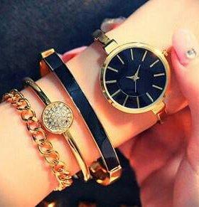 Часы Анна Кляйн браслеты в коробочке