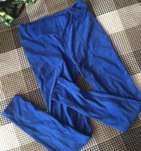 Синие плотные легинсы