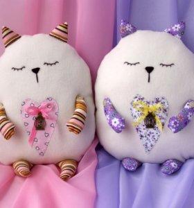 Подушка-игрушка сердечный кот подушка –обнимашка.