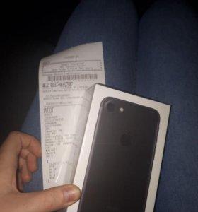 iPhone 7 НОВЫЙ В ПЛЕНКЕ куплен в Евросети 21,08,17