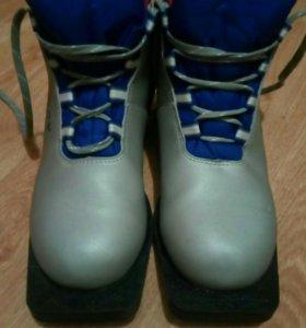 Ботинки лыжные, 37 размер