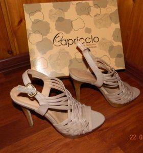 Босоножки Capriccio (новые,кожа)