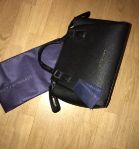 Новая кожаная сумка Trussardi сафьяно