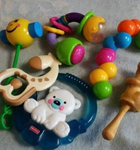 Игрушки и прорезыватели