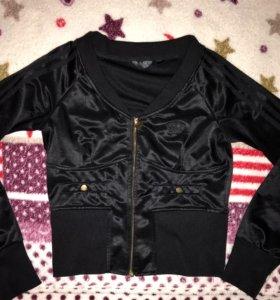 Бомбер ,куртка как новая Adidas