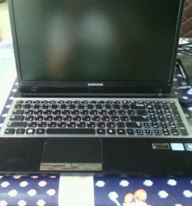 Ноутбук Samsung 300V5A-SOT