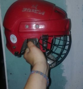 Хокейный шлем