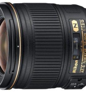 Nikon AF-S 28 1.8G