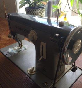 Машинка швейная Чайка2