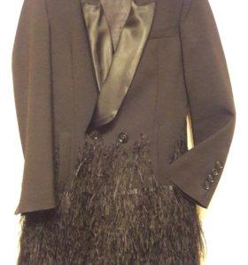Пиджак с перьями