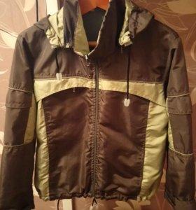 Куртка на мальчика 134р.