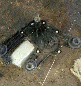 Мотор заднего стеклоочистеля ПЕЖО 308