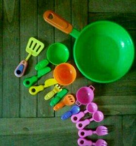 Два набора детской посуды