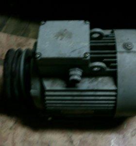Электродвигатель трехфазный