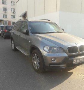 BMW X5 E70 2008.  3.0 бензин 272 л.с