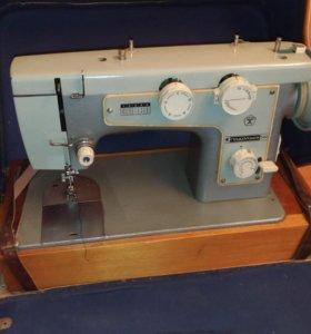 Швейная машинка Подольск 142 (с электроприводом)
