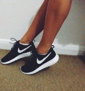 Кроссовки Nike 36,38,39,40