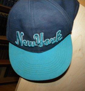 Три кепки