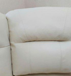 Новое,кожанное кресло Баристоль