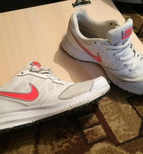 Продам кроссовки для бега Nike downshifter 6