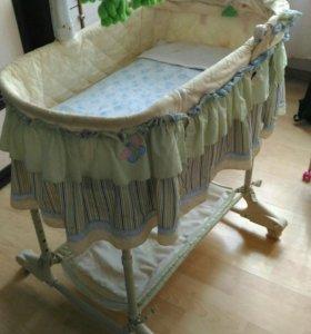 Детская кроватка для детей до года