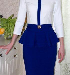 Платье с баской, размер 40-42 (XS-S)