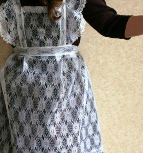 Школьная форма. Платье 3 фартука, бел.воротн.46 р.