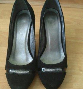 Женские модельные туфли 34 размер