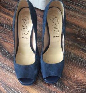 Туфли 38 р, по стельке 24 см.