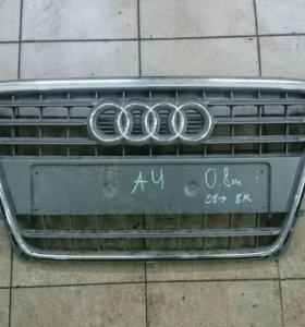 Решетка радиатора Ауди A4 8K с 08г.в