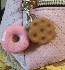 Подвески {Пончик и печенька }