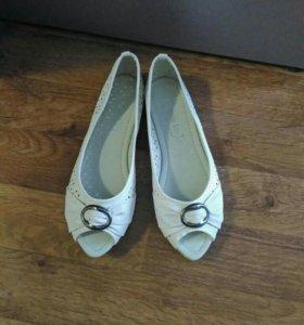Туфли-балетки (новые)