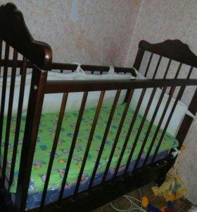 Кроватка + матрасы+ бортики