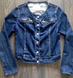 Куртка джинсовая женская М-L размер
